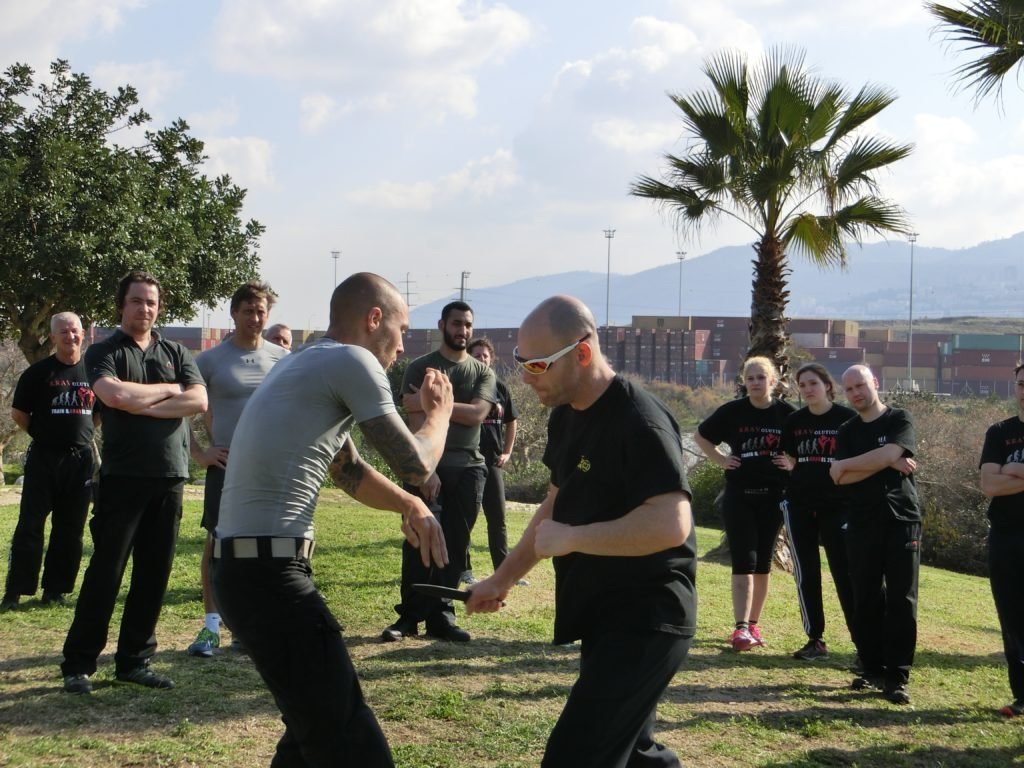 KRAVolution Team Train & KRAVel 2017 Israel - Amnon Darsa - Basic Knife Defence