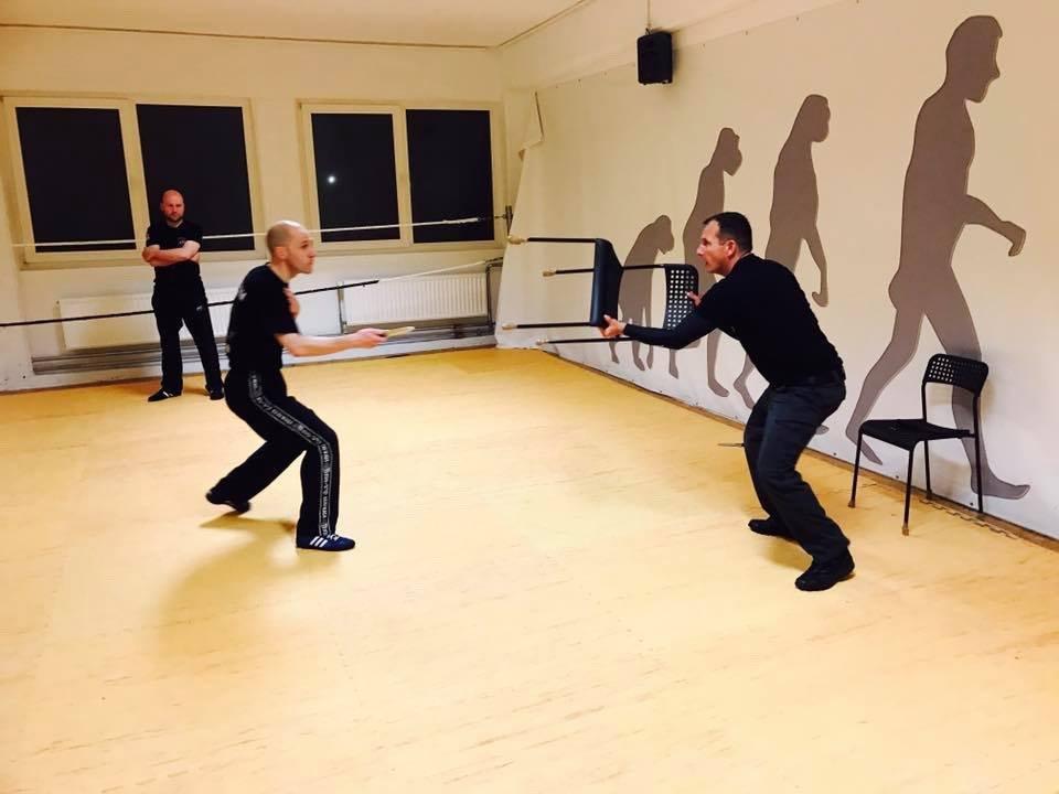 Mixed Seminar zum Thema Military Knife Fighting & Krav Maga Defenses Distanz