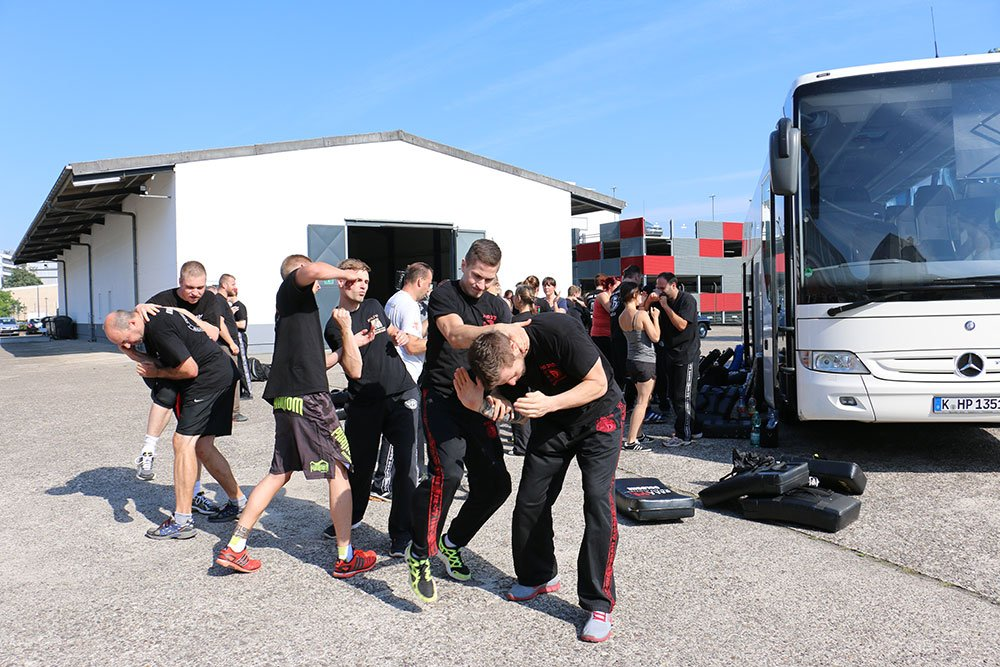Krav Maga Firmenevents für Car Defense 4