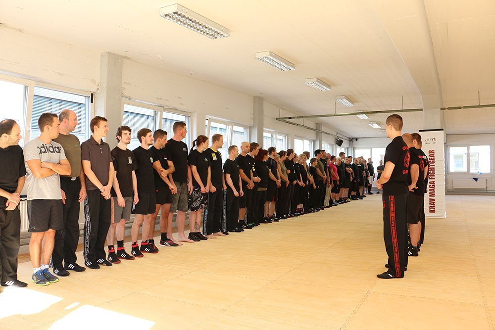 Krav Maga Teamevents in der Trainingshalle 1