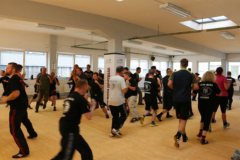 Krav Maga Teamevents in der Trainingshalle 2