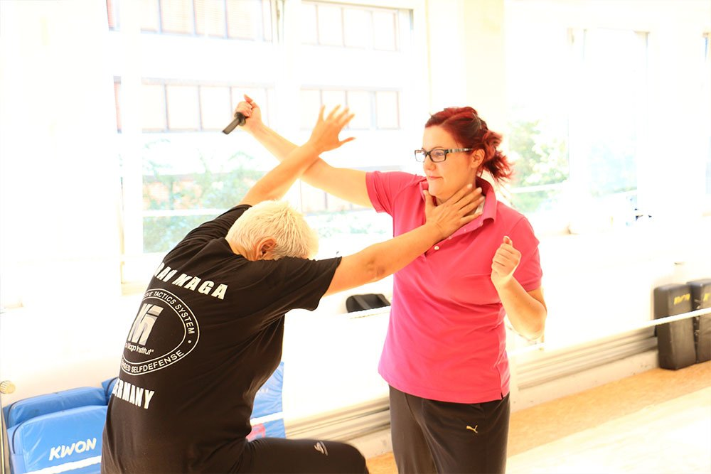 Krav Maga Teamevents in der Trainingshalle 4