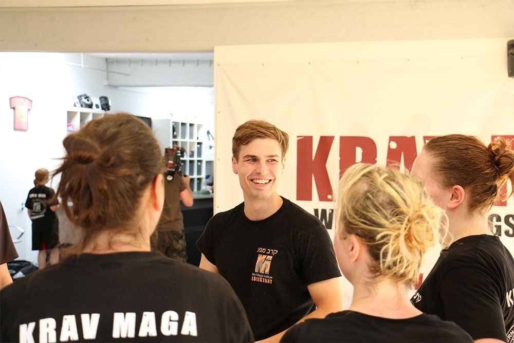 Krav Maga Teamevents in der Trainingshalle 6