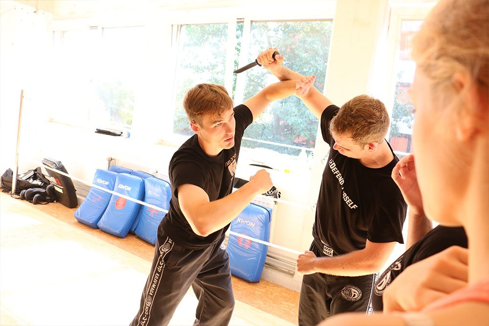 Krav Maga Teamevents in der Trainingshalle 8