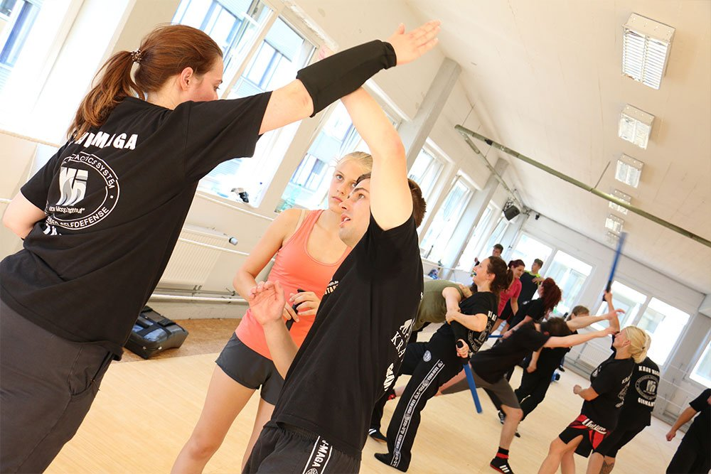 Krav Maga Teamevents in der Trainingshalle 9