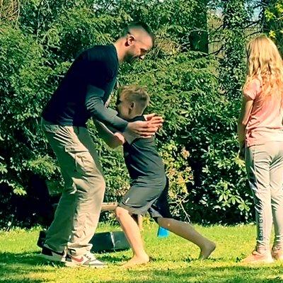 Kinder Training Verteidigung gegen Würgegriffe